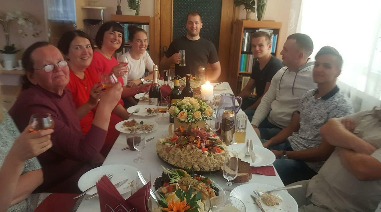 Kristinos Noreikaitės šeima 2018 m rugpjūtis Nijole Zubrickiene Judita Prialgauskaite Zubrickaitė Justė Lukas Prialgauskas Rokas Zubrickas and Pijus Prialgauskas